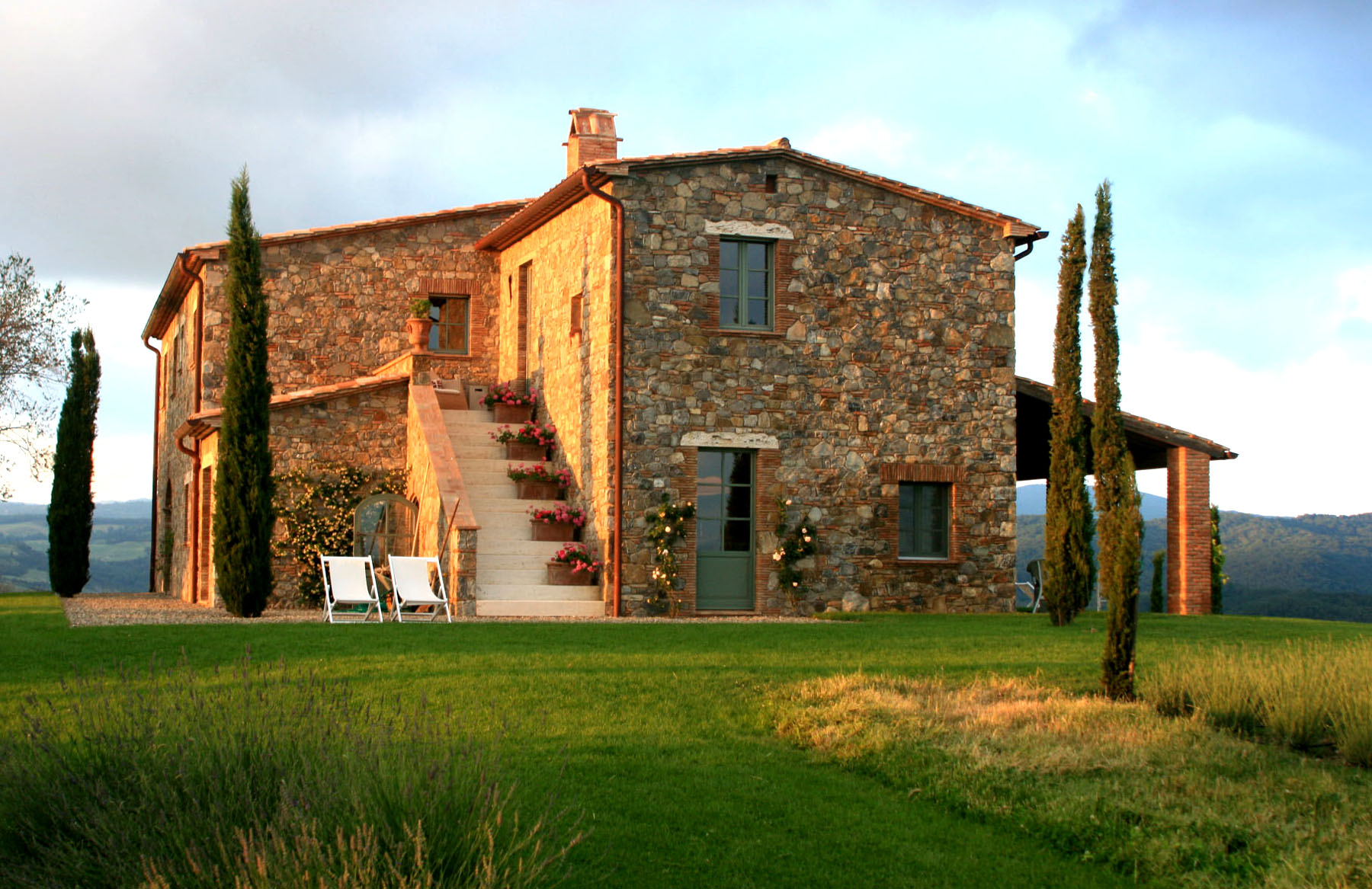 modern tuscan farmhouse
