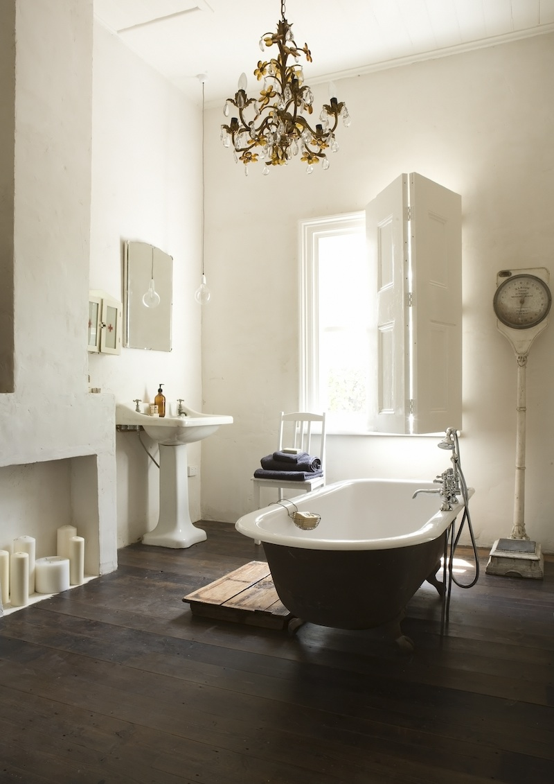 Designtripper for Vintage bathroom photos