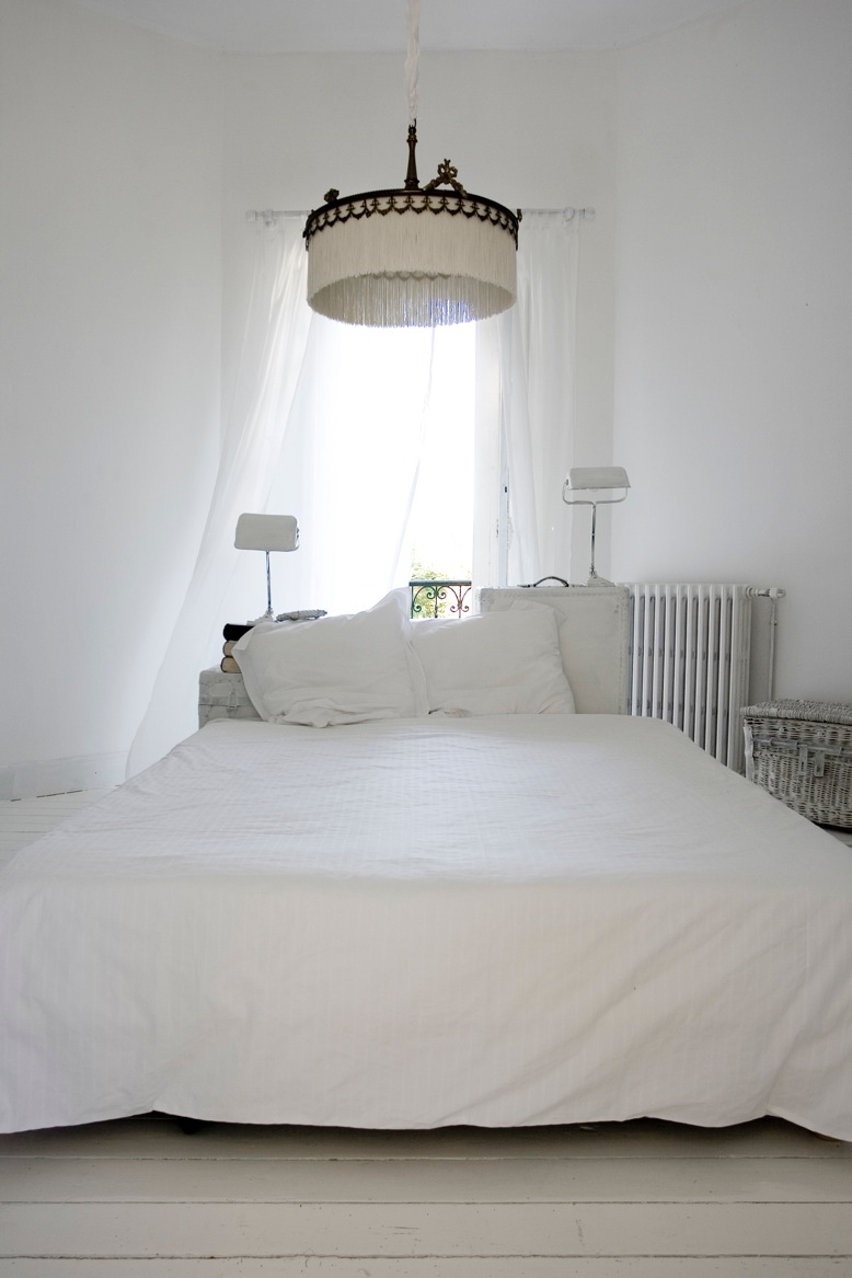 All White Bedroom Viewing Gallery