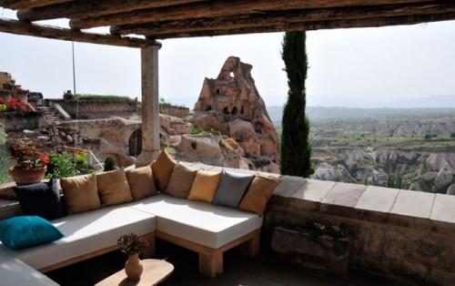 A quiet corner terrace