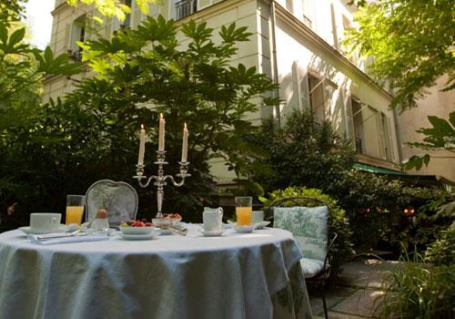 petit-dejeuner-jardin-sud