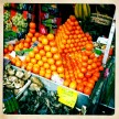A clementine pyramid at one of the many shops in Montmarte.