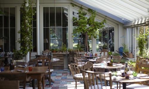 765x460_restaurant