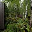 Designed by Jensen & Skodvin, the Juvet Landscape Hotel (Gudbrandsjuvet, Norway) is built on a sheer river bank near Gudbrand Canyon.