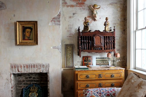 In every room, you'll find religious iconography or fantastic art (and often both). The owner's daughter is an artist.